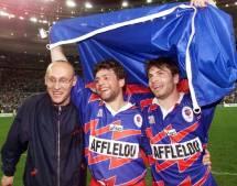 1998: désormais entraîneur du Stade Français Paris, coach Laporte est sacré champion de France aux côtés de Comba et Dominici face à Perpignan.